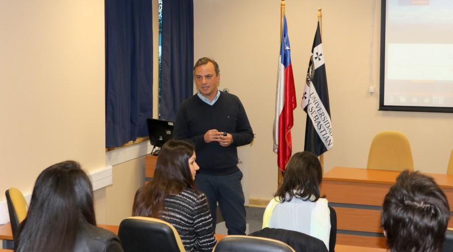 Exposición de Álvaro Rojas, jefe del Departamento Técnico de SERVIU Biobío