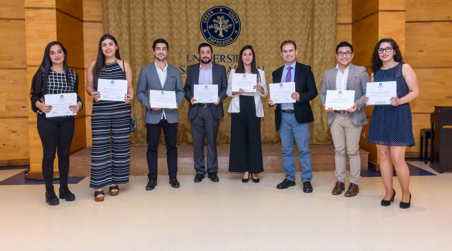 Egresados del Diplomado en Intervención Social e Investigación en Familia.
