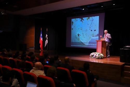 El decano de la Facultad, Federico Casanello, realizó un discurso de bienvenida durante la jornada.