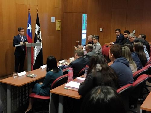 Iván Navas, decano interino de la Facultad, inauguró el evento.