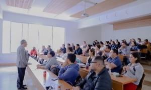 El director de El Corte Inglés fue invitado por el docente Rafael Castaño para realizar la Charla de Habilidades Directivas.
