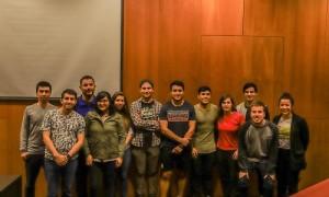 El director Patricio Arroyo, junto a los profesionales de la quinta versión del diplomado.